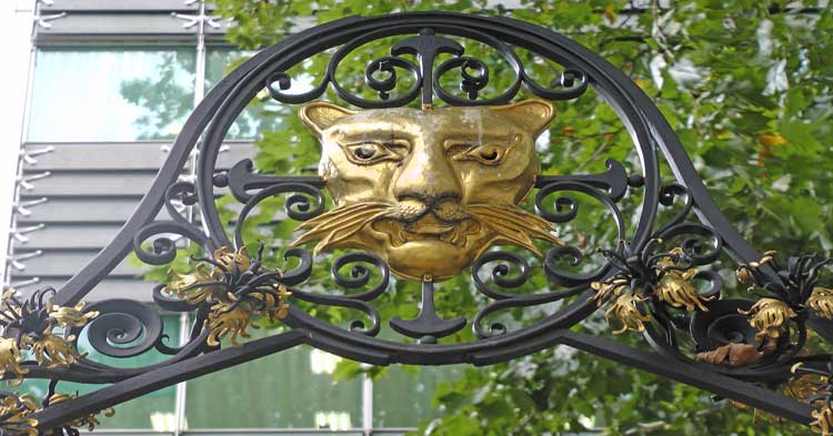 A golden leopard's head that features on our Historic City Treasure Hunt.